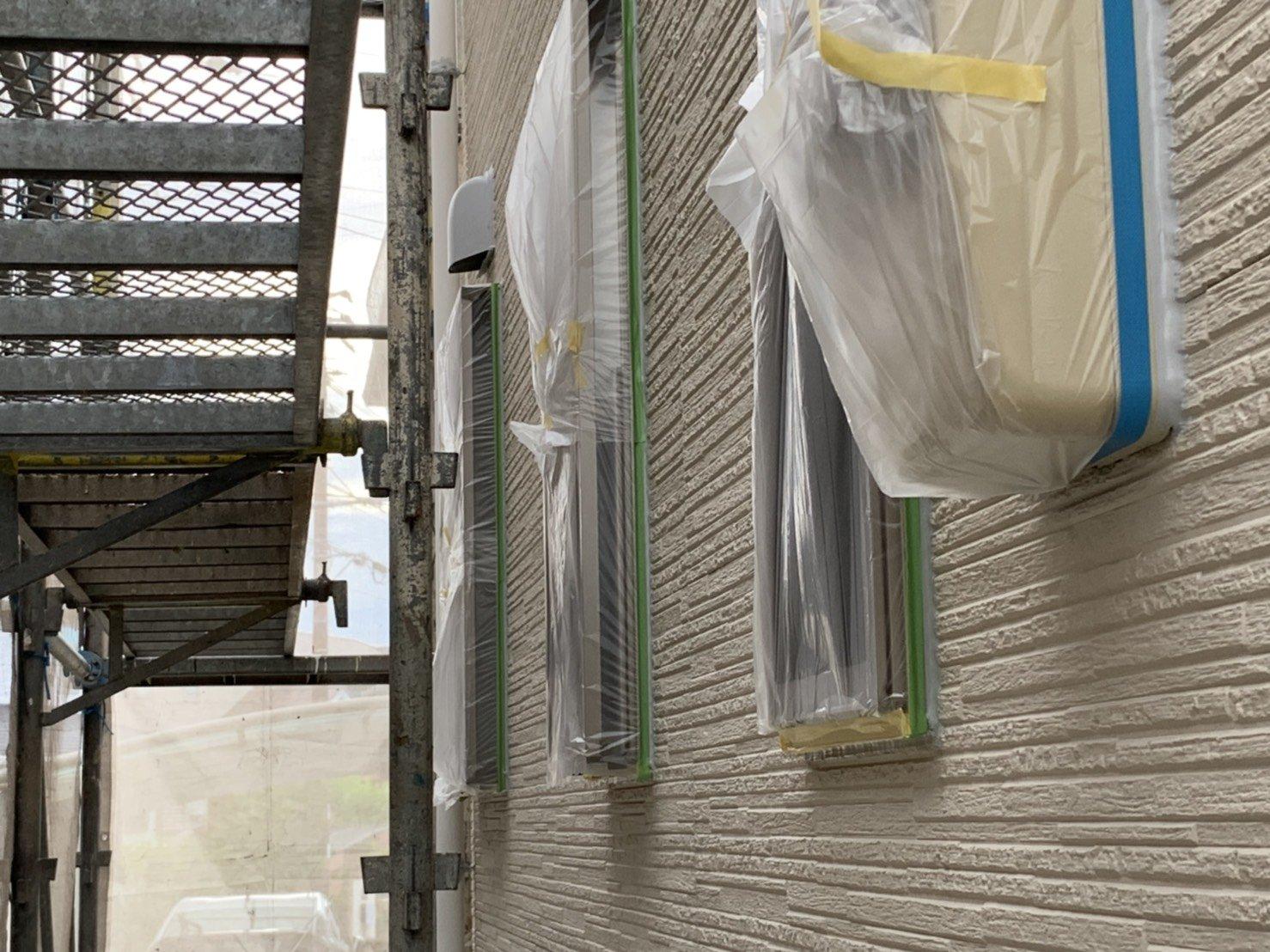 福岡県古賀市I様邸施工2日目養生さび止め屋根下塗り作業