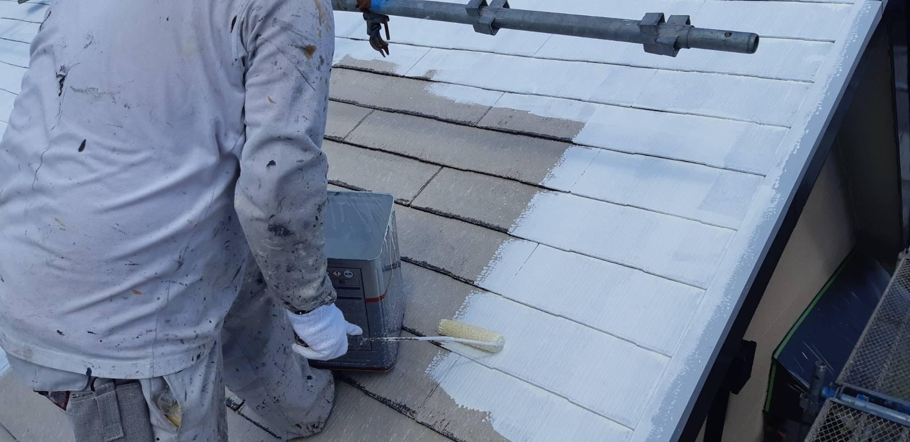 福岡県宗像市公園通りI様邸施工3日目屋根下塗り外壁下塗り作業