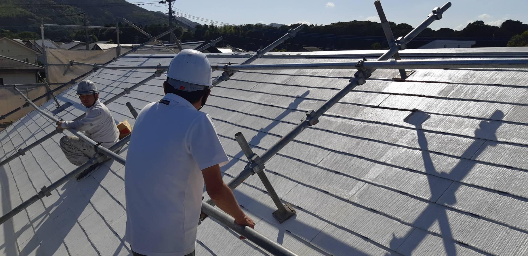 福岡県宗像市公園通りI様邸施工4日目中間検査屋根縁切り中塗り外壁中塗り作業