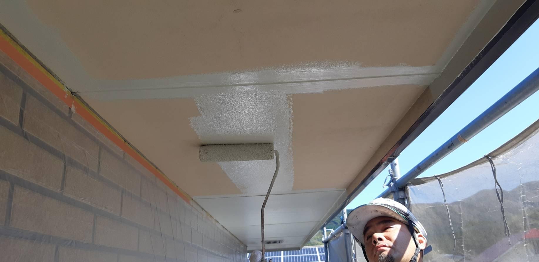 福岡県古賀市K様邸施工2日目養生さび止め軒天塗装付帯塗装作業