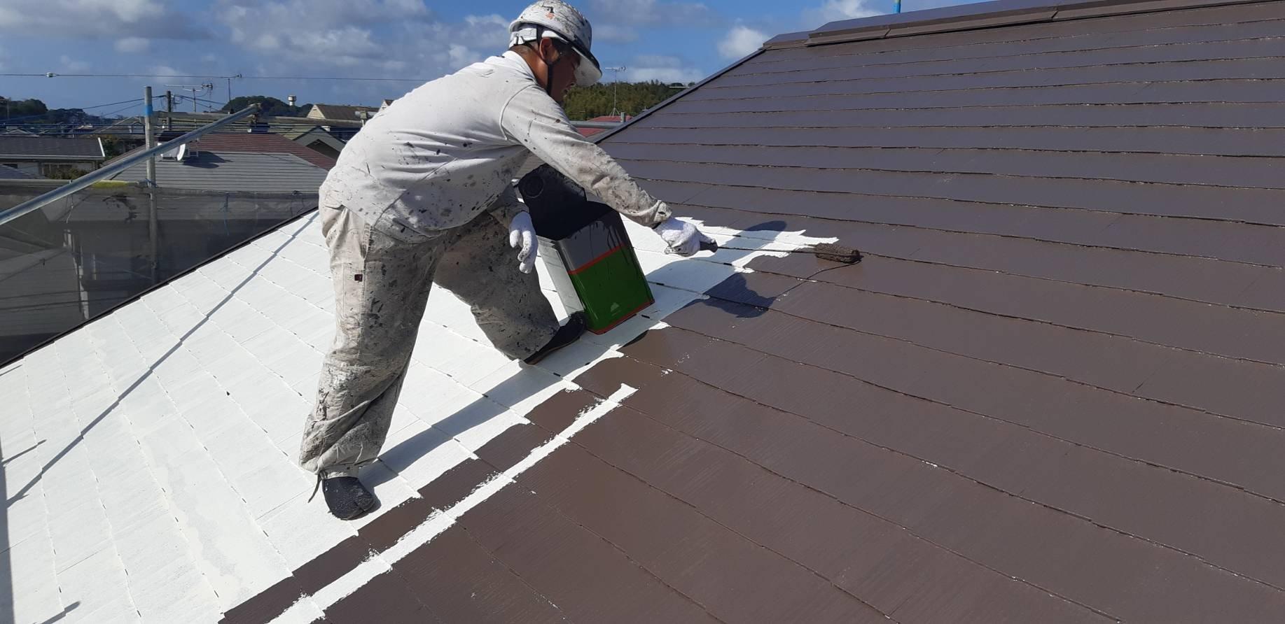 福岡県宗像市K様邸施工5日目屋根中塗り外壁中塗り作業