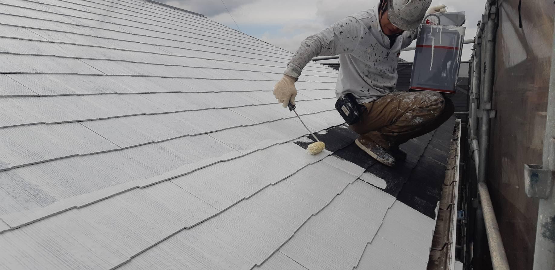 福岡県自由ヶ丘南H様邸施工3日目屋根下塗り外壁下塗り作業