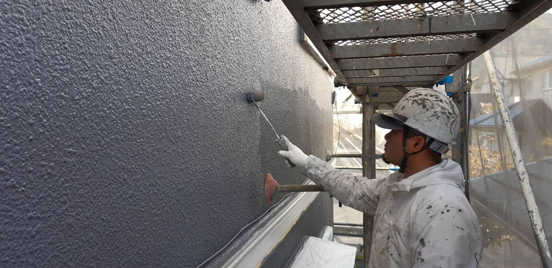 福岡県宗像市自由ヶ丘S 様邸施工5日目外壁上塗り作業