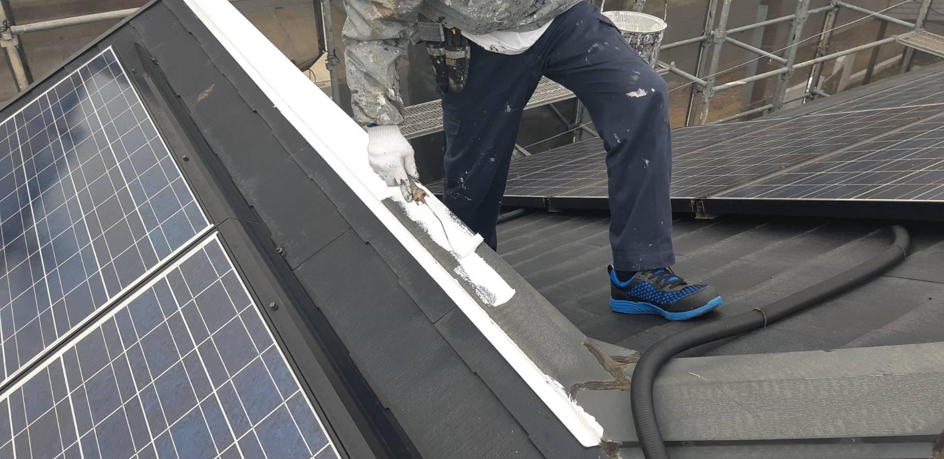 福岡県古賀市美明S 様邸施工3日目屋根下塗り軒天塗装付帯塗装作業