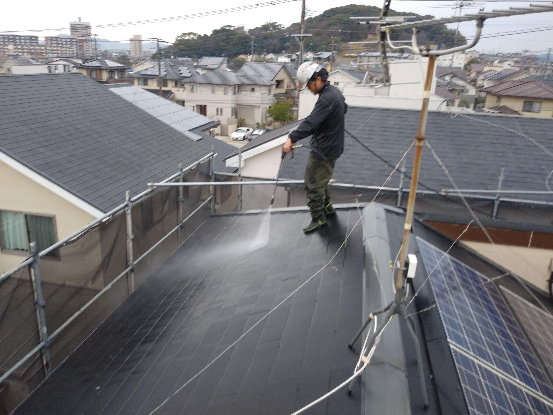 福岡県古賀市美明S 様邸施工1日目高圧洗浄作業