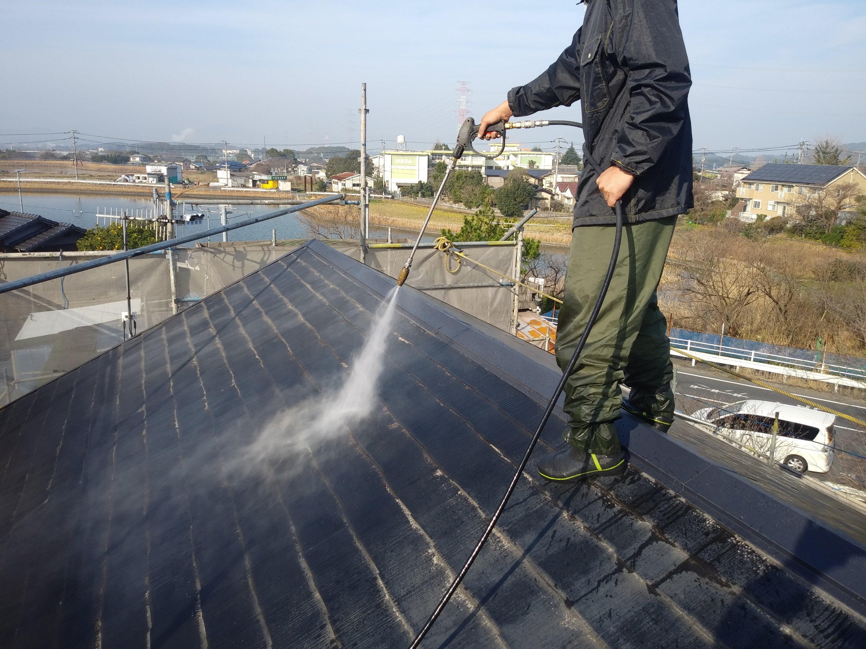 福岡県北九州市八幡西区T様邸施工1日目高圧洗浄作業