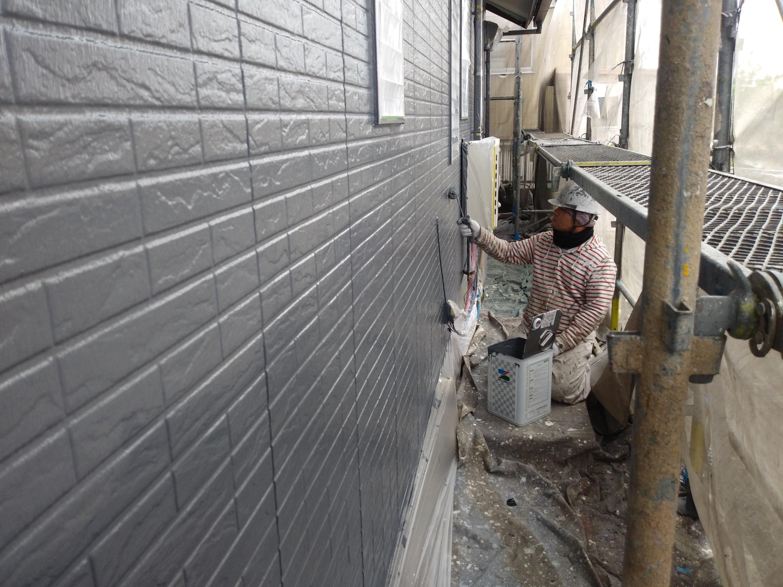 福岡県北九州市八幡西区T様邸施工5日目外壁上塗り付帯塗装作業