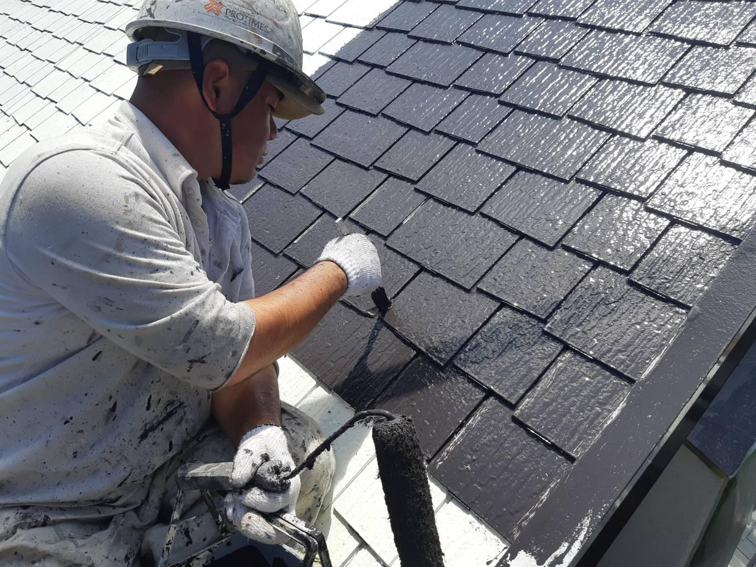 宗像市泉ヶ丘M様邸施工6日目屋根中塗り外壁下塗り作業