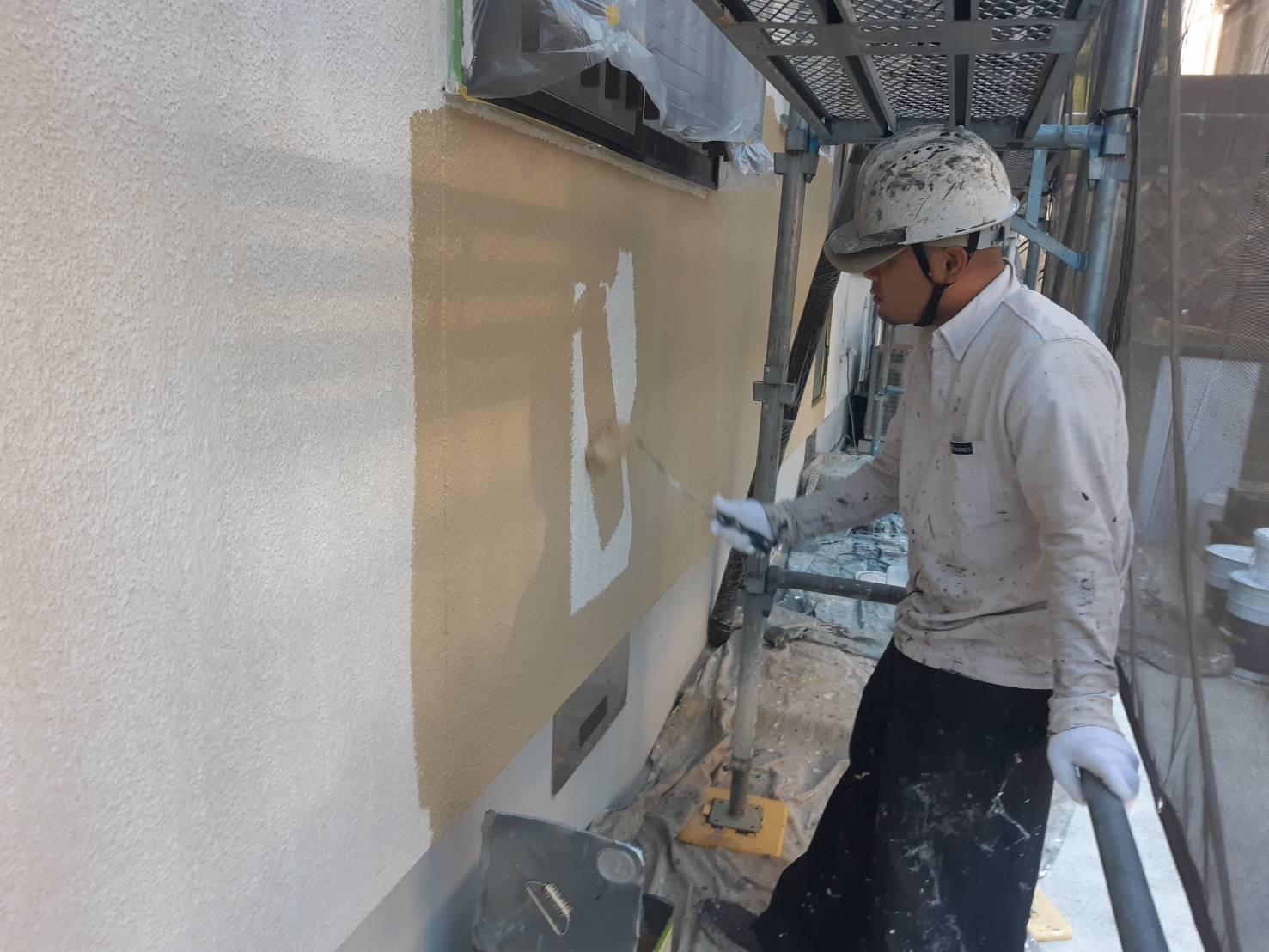 鞍手郡鞍手町八尋神田T様邸施工5日目外壁中塗り付帯塗装作業
