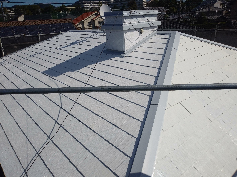 宗像市自由ヶ丘N様邸施工5目外壁下塗り屋根下塗り縁切り作業